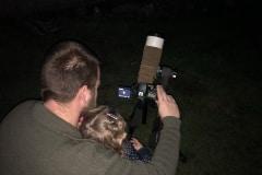 Met pappa naar de maan kijken