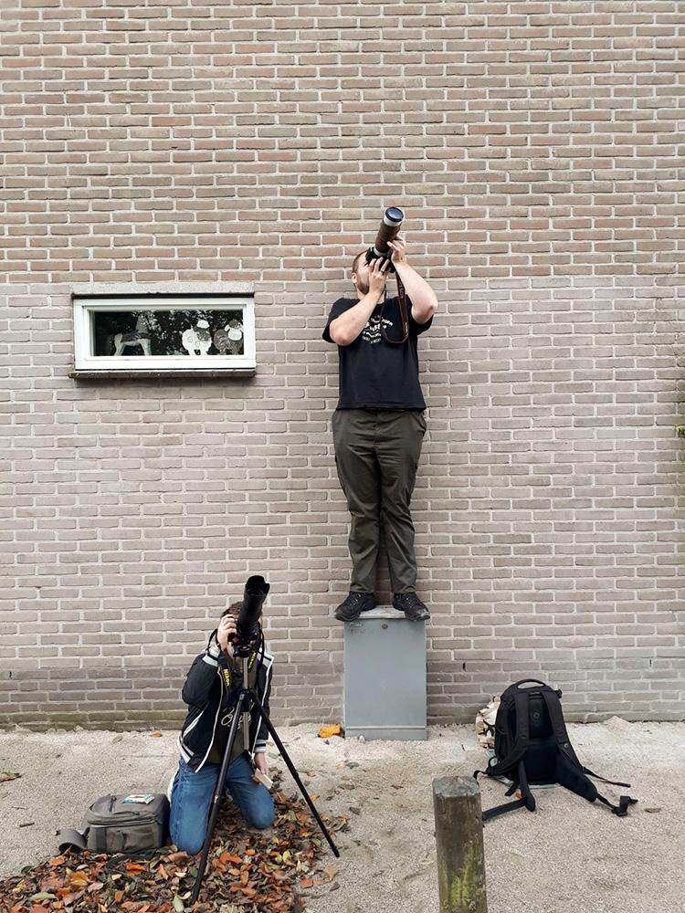 Fotograferend Leerbroek aan het werk