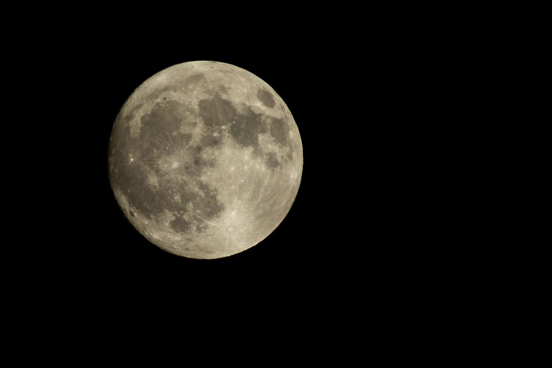 Volle maan, hoewel erg mooi wel lastig met sterren kijken